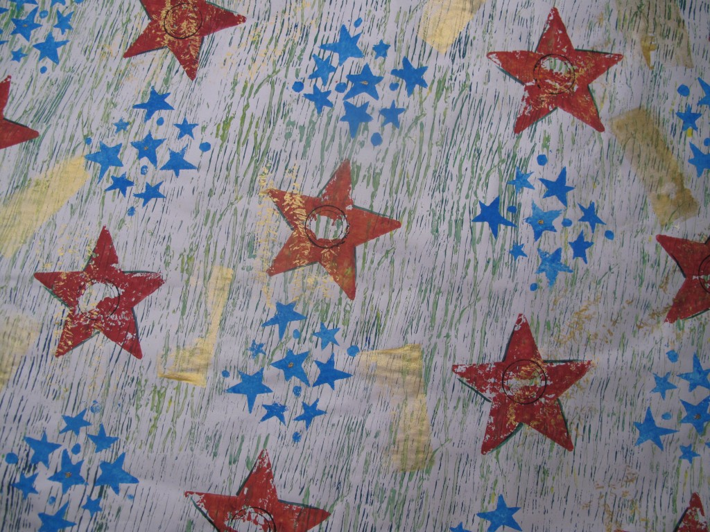 Star Wrap Hand-printed Newspaper Endroll
